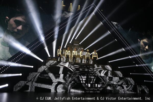 VIXX-LIVE-3
