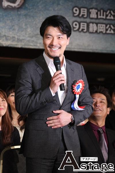 日本語で「初めまして。韓国から来た日本では新人俳優、ヤン・ジュンモです」と挨拶。日本語に不安を感じながらも「やれる、やれると自分に言い聞かせています」