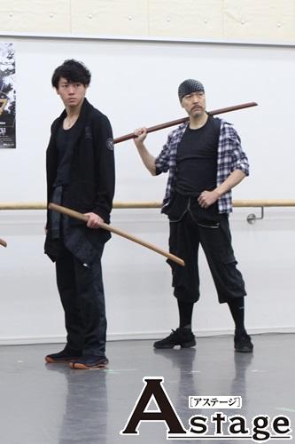 写真右 映画では三船敏郎が演じたキクチヨ役の大澄賢也「あの時代の日本男子の熱さ、肉食系なところを大事に作り上げたい」