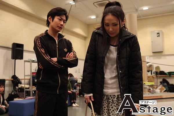 藤沢ハルカ(ミムラ)と藤沢英明(戸次重幸)夫妻 。