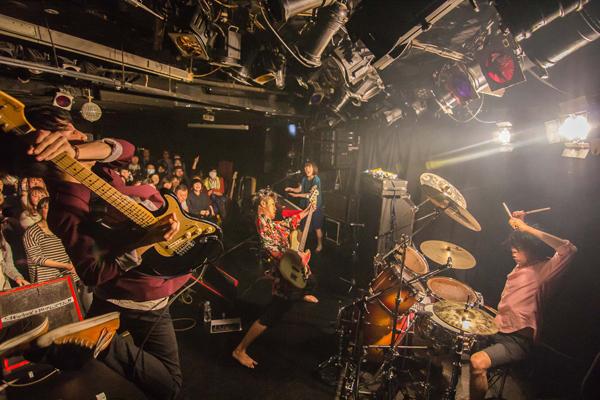 Photo by  Daisuke Sakai