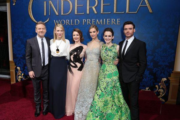 左から、ケネス・ブラナー監督、ケイト・ブランシェット、ホリデイ・グレイン ジャー、リリー・ジェームズ、ソフィー・マクシェラ、リチャード・マッデン