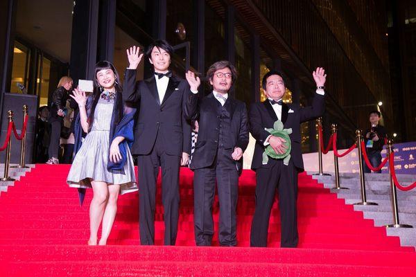 『ラブ&ピース』北京映画祭1_左からIZUMI_長谷川_園_大月