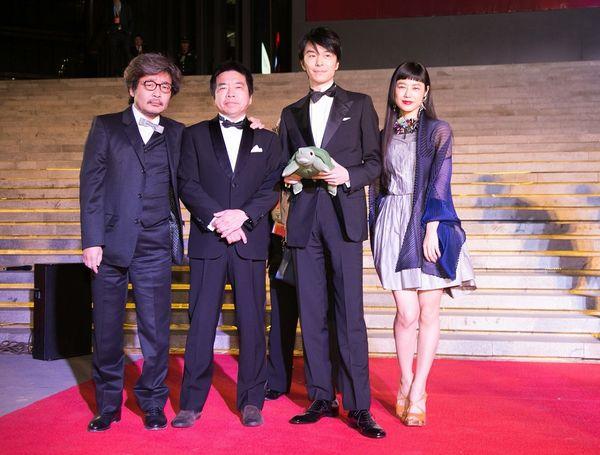 『ラブ&ピース』北京映画祭2_左から園_大月_長谷川_IZUMI