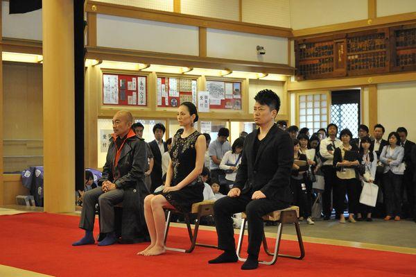 左から竹中さん、米倉さん、宮迫さん『アベンジャーズ/エイジ・オブ・ウルトロン』0527増上寺祈願式