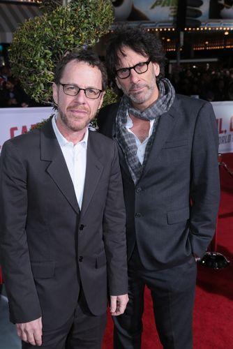 (左)イーサン&(右)ジョエル・コーエン