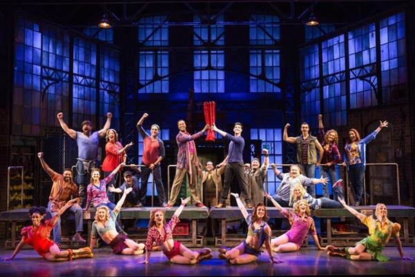 【#1来日版メイン】Kinky Boots National Touring Company. Photo Matthe