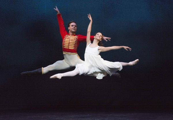 A scene from The Nutcracker by The Royal Ballet @ ROH (Opening 04-12-13) ©Tristram Kenton 12/13 (3 Raveley Street, LONDON NW5 2HX TEL 0207 267 5550 Mob 07973 617 355)email: tristram@tristramkenton.com