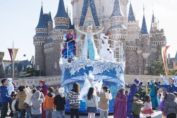③東京ディズニーランド_「アナとエルサのウィンターグリーティング」(C)Disney