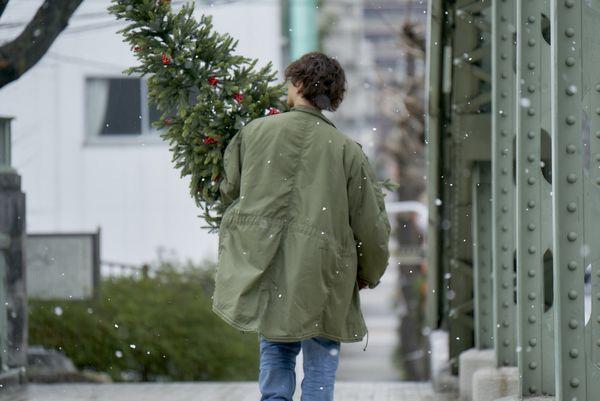 ※12月21日(金)正午解禁『雪の華』悠輔クリスマスツリー2_DSC0401
