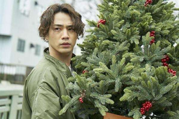 ※12月21日(金)正午解禁『雪の華』悠輔クリスマスツリー_DSC9615s