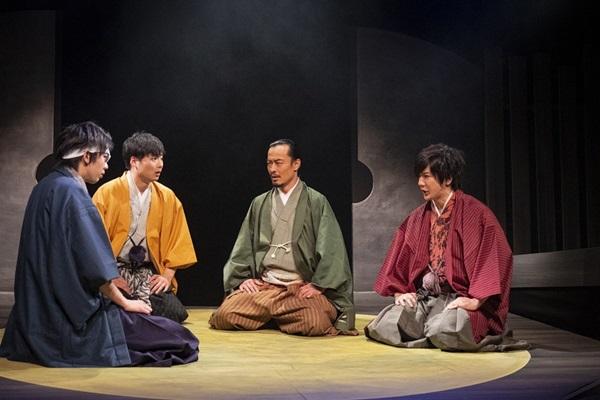左から_珠ノ新(西村信章)、如月優馬(竹之内景樹)、梅田妙庵(森大)、朝倉宗次郎(村瀬文宣)