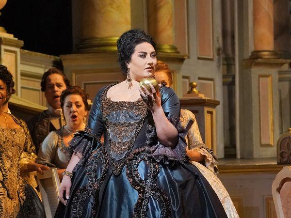 アドリアーナ・ルクヴルール_22(c)Ken Howard/Metropolitan Opera