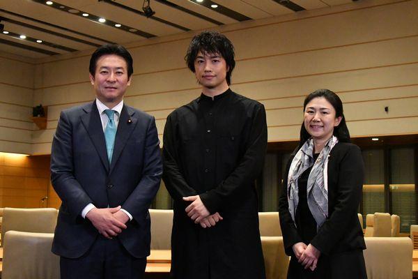 official2(斎藤工、秋元司副大臣、牧島かれん)
