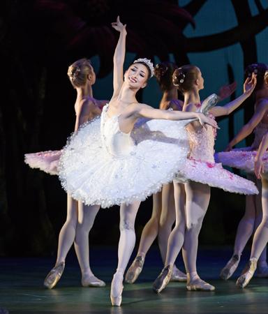 DON QUIXOTE, The Royal Ballet: BASILIO; MATTHEW GOLDING, KITRI; NATALIA OSIPOVA, 1st act, KITRI; AKANE TAKADA, 2nd and 3rd act, MERCEDES; LAURA MORERA, DULCINEA; NATHALIE HARRISON, 2 KITRI FRIENDS; HELEN CRAWFORD, FUMI KANEKO, DON QUIXOTE; CHRISTOPHERSAUNDERS, SANCHO PANZA; PHILIP MOSLEY, LORENZO; BENNET GARTSIDE, GAMACHE; BENNETT GARTSIDE, ESPADA; RYOICHI HIRANO,