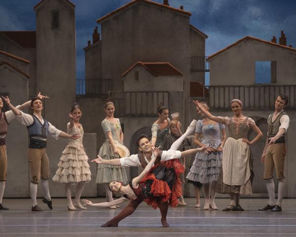 ★メイン_Akane Takada and Alexander Campbell in The Royal Ballet's Don Quixote (c) ROH 2019. Photo by Andrei Upenski
