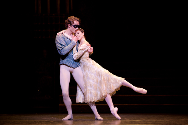 Romeo and Juliet 18/09/15, Copyright 2015 ROH. Photographed by Alice Pennefather