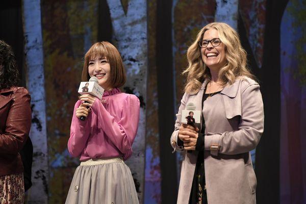 『アナと雪の女王2』サブ_神田さんとジェニファー監督