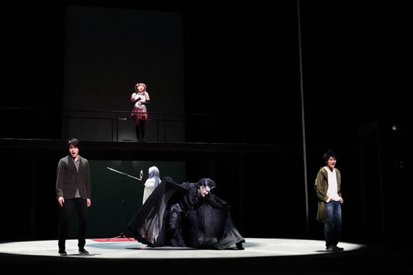 (左)甲斐翔真(中央上)吉柳咲良(中央下)パク・ヘナ/横田栄司(右)髙橋颯1