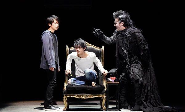 左)村井良大/中)髙橋颯/右)横田栄司