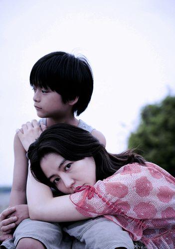 映画『MOTHER マザー』_初夏、全国公開_(C)2020「MOTHER」製作委員会