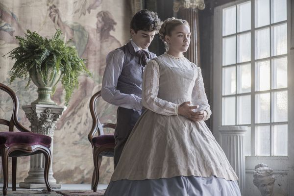 Timoth仔 Chalamet and Florence Pugh in Columbia Picturesユ LITTLE WOMEN.