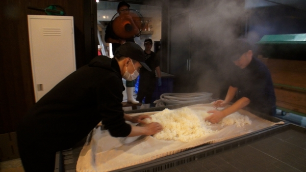 橘ケンチ(EXILE)白糸酒造造り時写真