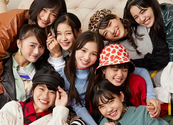 Girls²_sleeve_JK_logonashi
