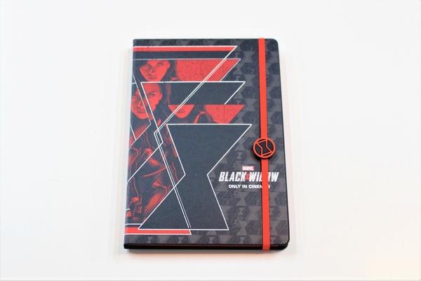 『ブラック・ウィドウ』ノートブック