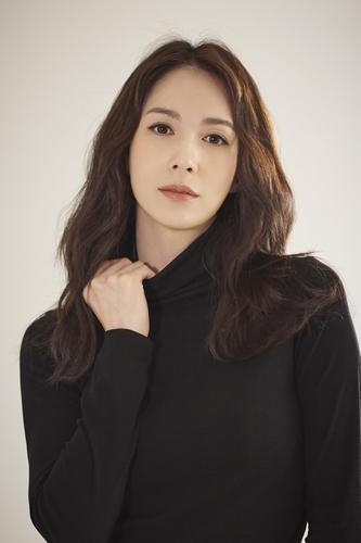 Lina profile picture_EMK (1)