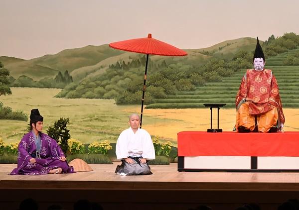 新作喜劇『一休さん』右から渋谷天外、藤山扇治郎、桐生麻耶