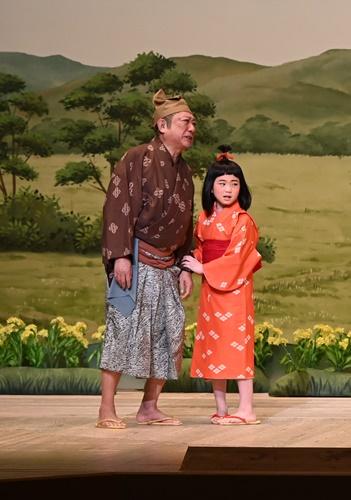 新作喜劇『一休さん』左から渋谷天外、毎田暖乃