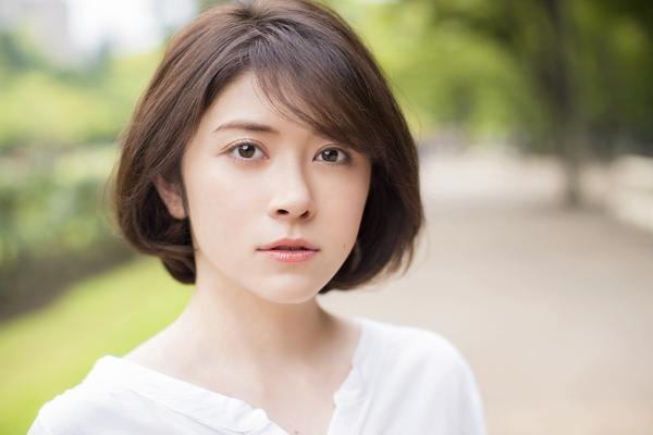 宮澤エマ宣材